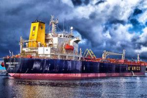 Schifffahrtskaufmann/-kauffrau